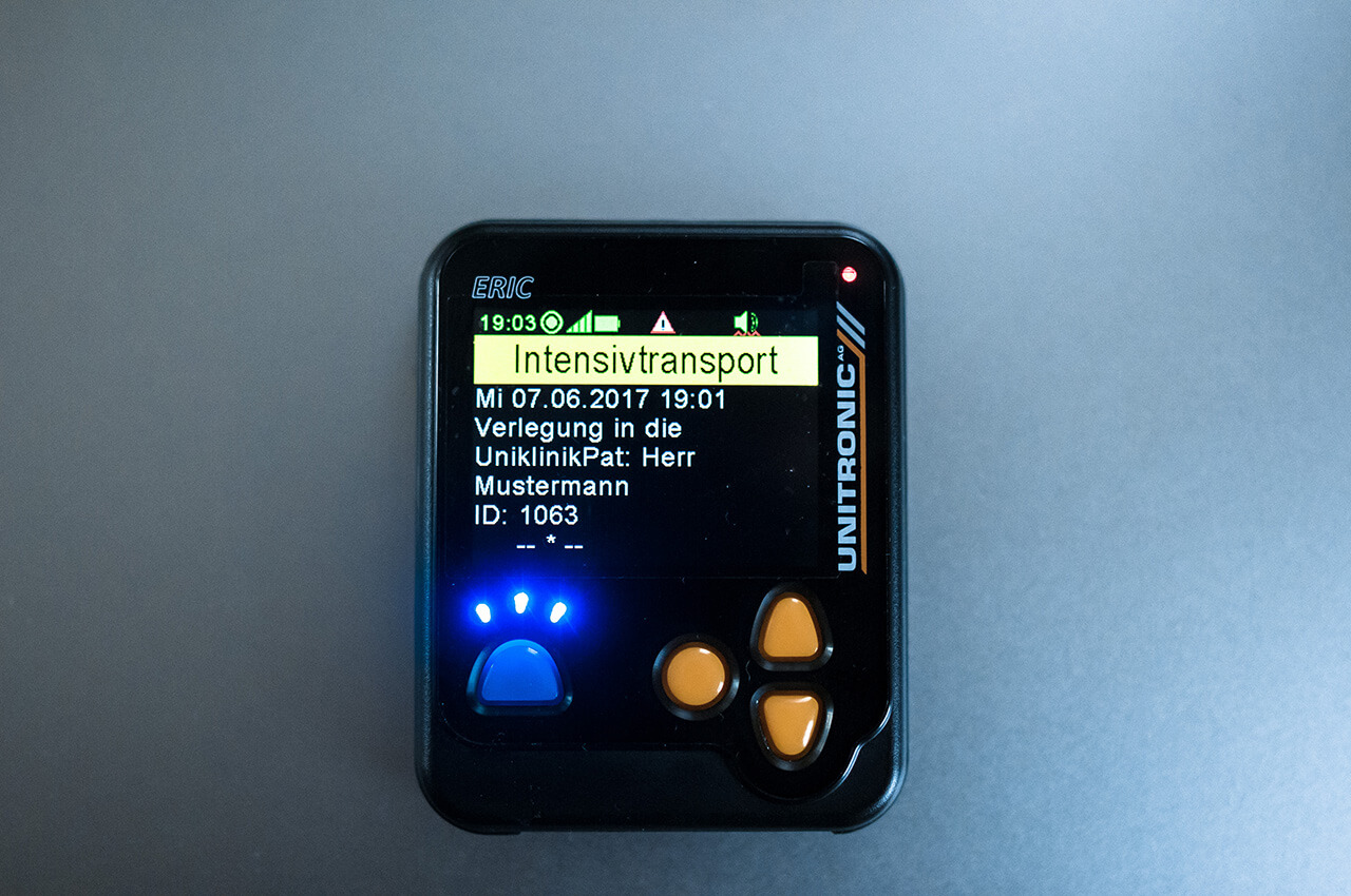 Alarmierung von Rettungswagen und Notärzten per UNITRONIC ERIC GSM-Pager mit hoher Erreichbarkeit