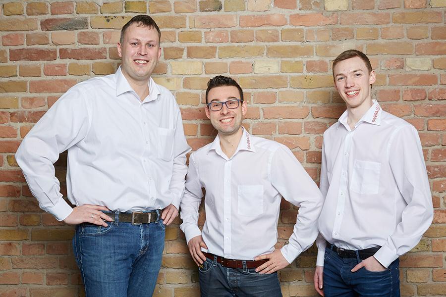 Drei Gründer des Startups Dr. Bernhard Horst, Benjamin Kreiskott und Patrick Remy nach dem Pitch um den CEBIT Innovation Award