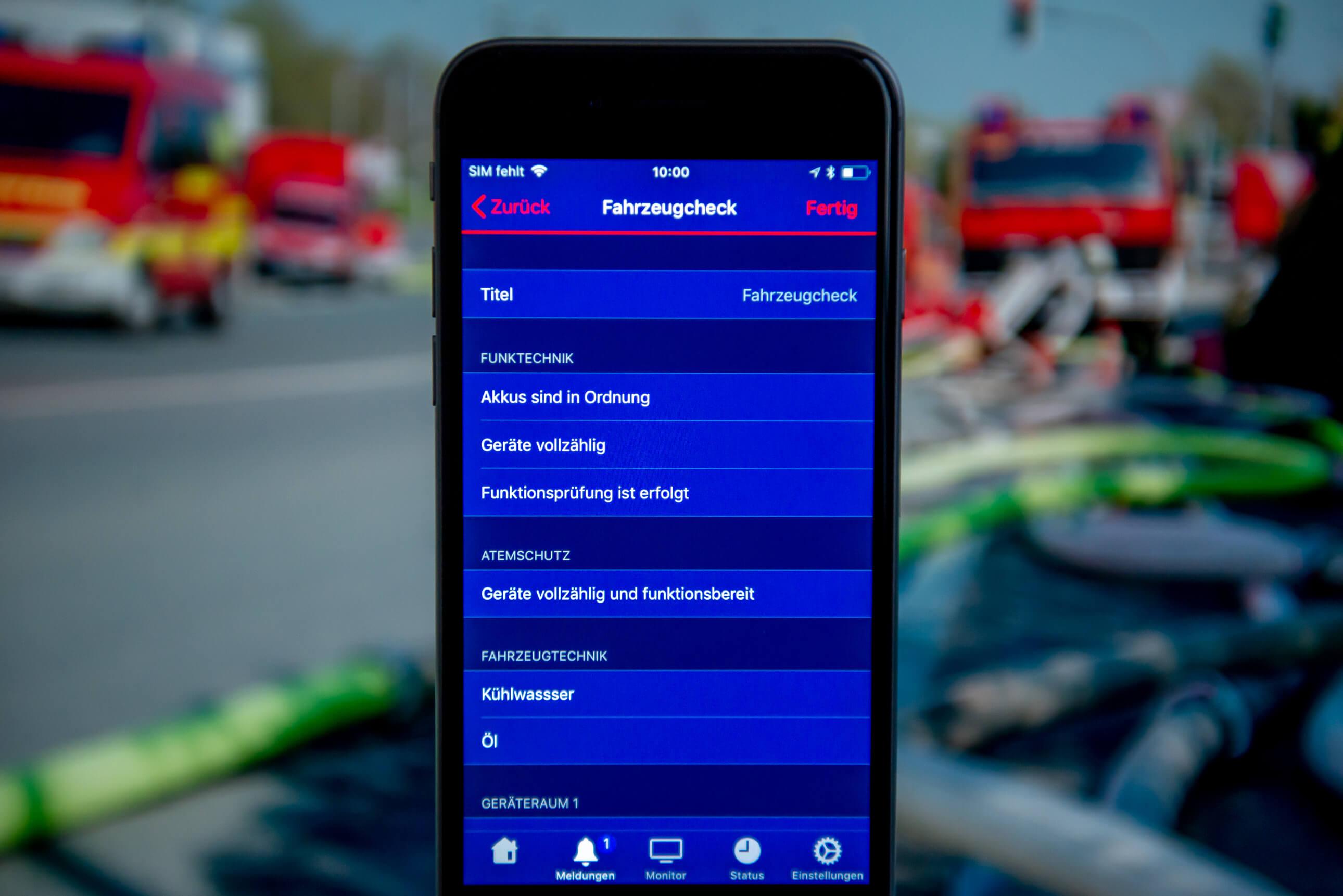 Digitalisierung bei Feuerwehr und Rettungsdienst: Die Datenerfassung bei Unfällen, Ereignissen, Messfahrten als auch die Protokollierung des Fahrtenbuchs erfolgen digital per App und ermöglichen eine unheimlich schnelle Analyse der Daten.